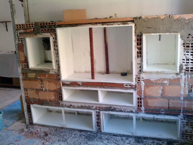 Foto mueble de obra de don ventana 217031 habitissimo for Muebles rusticos badajoz