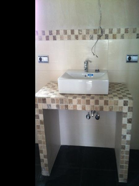 foto mueble lavabo de obra de multiservicios sierra y