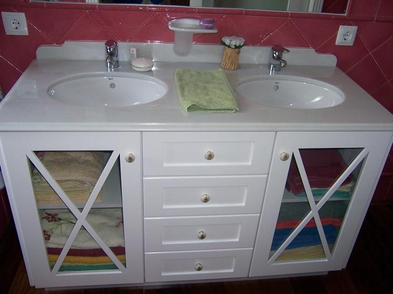 Foto muebles de ba o en madera de suecia lacada en blanca - Muebles de bano en guadalajara ...