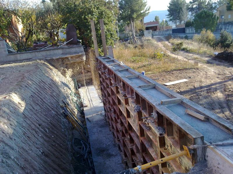 foto muros de hormigon visto ambas casas 2011 de
