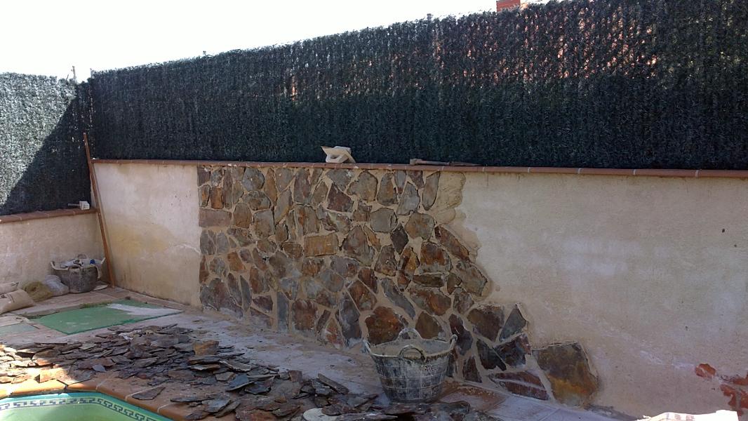 Foto muros revestidos de piedra de jesus zorita 376342 - Imagenes de muros de piedra ...