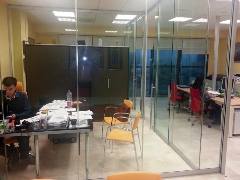 Foto oficina licencias de actividad madrid de licencias for Oficinas ss madrid