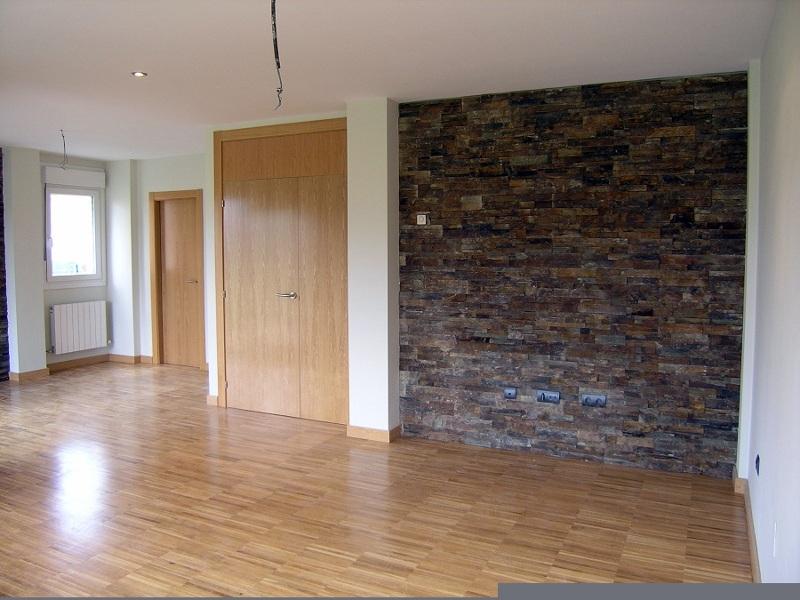 Foto pareados ampuero salones de reformas maxicasa for Plaquetas decorativas para exterior