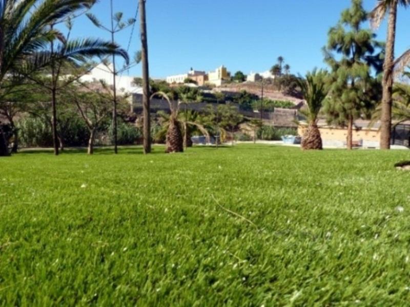 Foto parque p blico en arucas las palmas de canarias - Cesped artificial las palmas ...