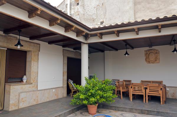 Foto patio interior de vivienda unifamiliar de proyectos for Vivienda interior