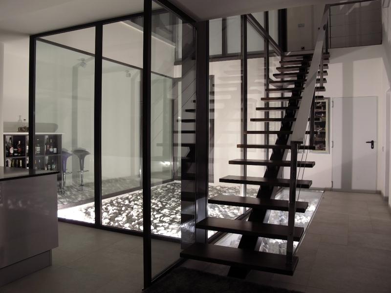 Foto patio interior escalera de sans arquitectes 301263 for Patios interiores modernos