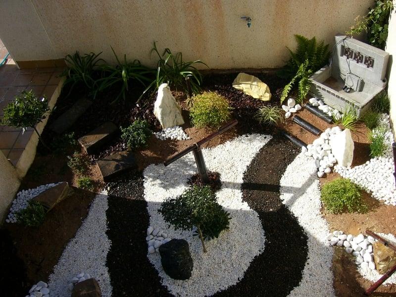 Foto peque o jard n japones de blossom jardineros 299863 for Accesorios para jardines pequenos