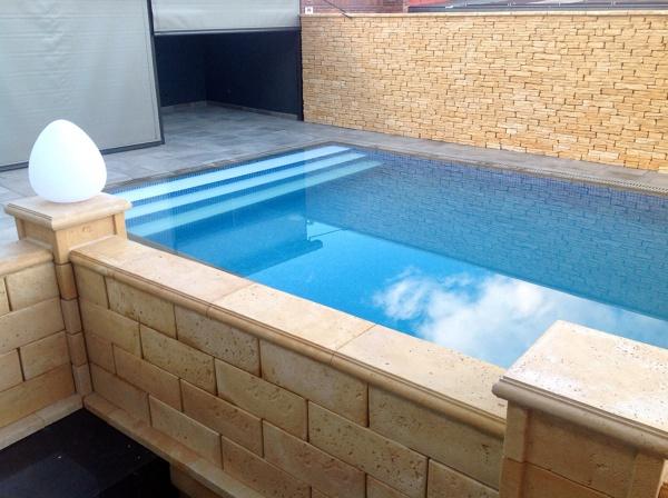 Foto piedra y piscina de radu marin piscinas s l 467907 - Piedras para piscinas ...