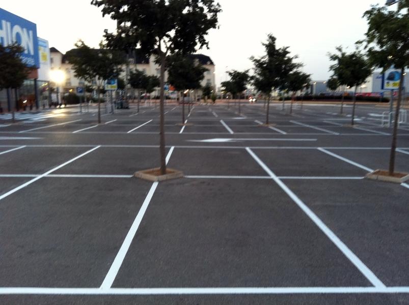 Foto pintura parking de flavius gosav 385684 habitissimo - Pintura para parking ...