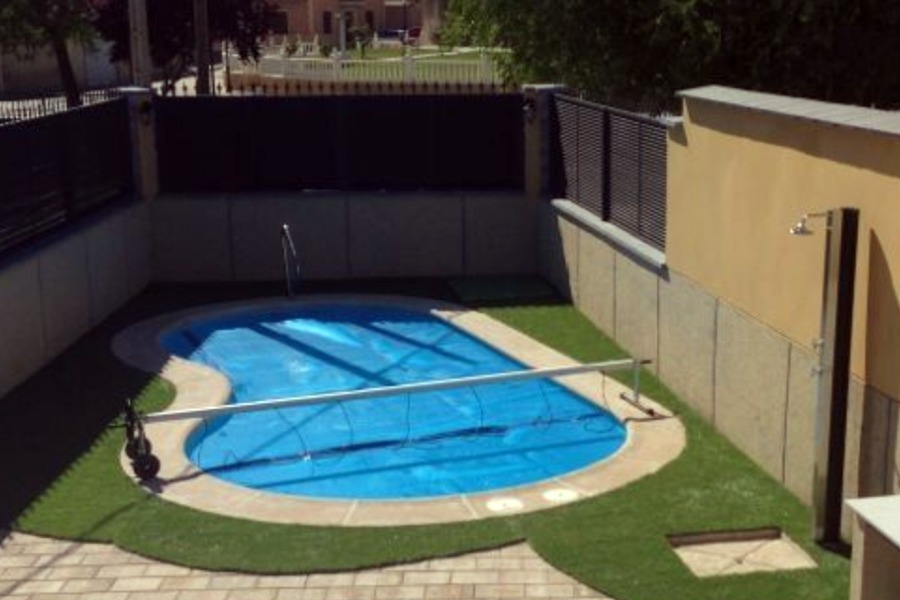 Foto piscina cobertores de piscinas brunete 436346 for Cobertores para piscinas precios