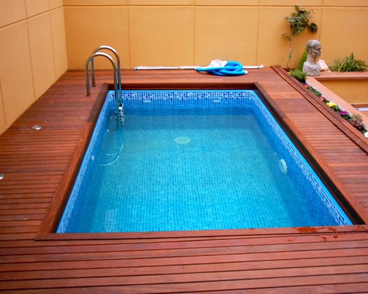 Foto piscina con laminade pvc imitacion gresite de ipc for Piscinas para enterrar precios