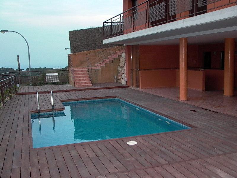 Foto piscina de dise o de piscinas playasol 277568 for Diseno piscina