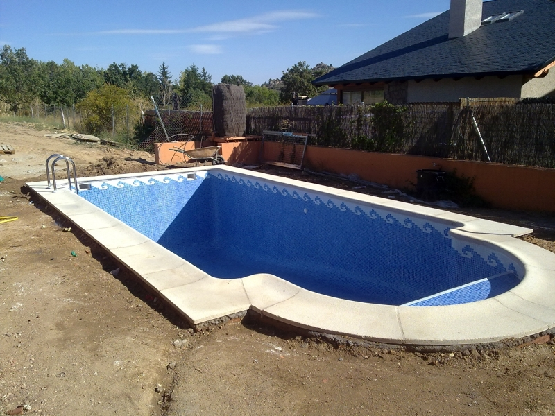 Foto piscina de obra de habitat rustico europa sl 260570 for Impermeabilizar piscina de obra