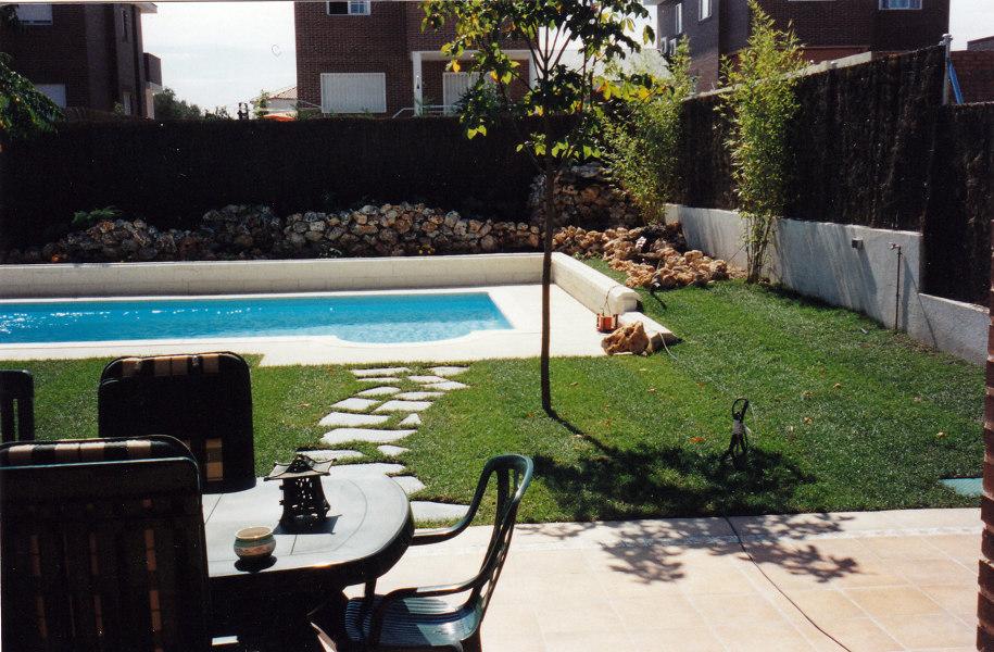 Foto piscina y jardin sevilla la nuena de jardines paco s for Piscina y jardin 2002 s l