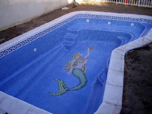 Foto piscinas de poliester con recubrimiento de gresite for Piscinas de poliester precios