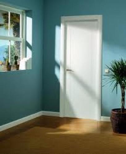 Foto piso pintado con puertas lacadas de reformas oscar - Limpiar puertas lacadas ...