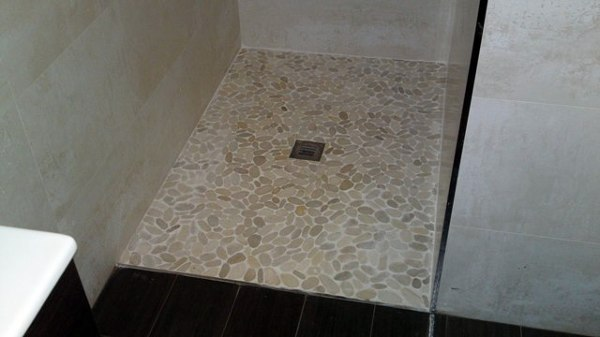 Foto plato de ducha de obra a nivel del suelo de for Ducha sin plato suelo