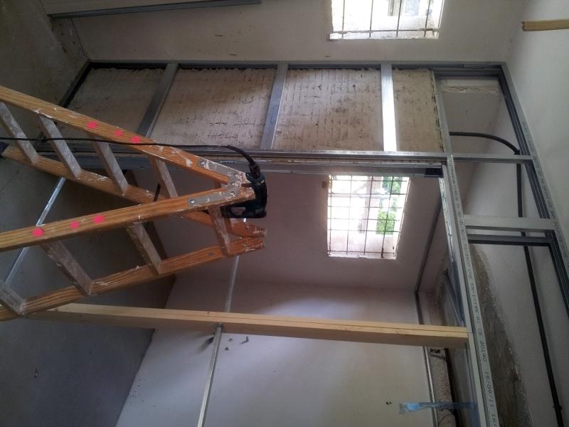 Foto puerta corredera doble dentro de tabiqueria de pladur llan de construbor construcci d - Puerta corredera doble ...