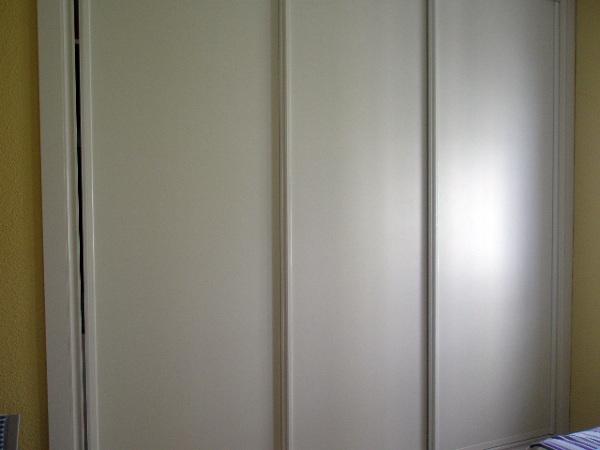 Foto puertas correderas lacadas en blanco de cmp reformas en general 226136 habitissimo - Puertas lacadas en blanco opiniones ...