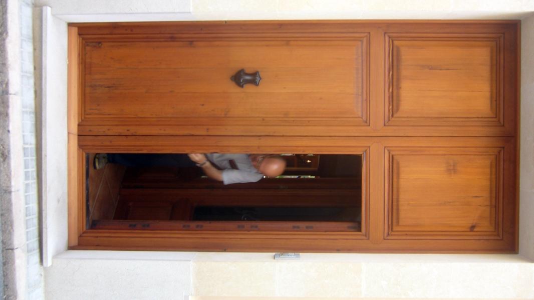 Foto puertas de calle macizas en madera de norte viejo for Precio puertas macizas