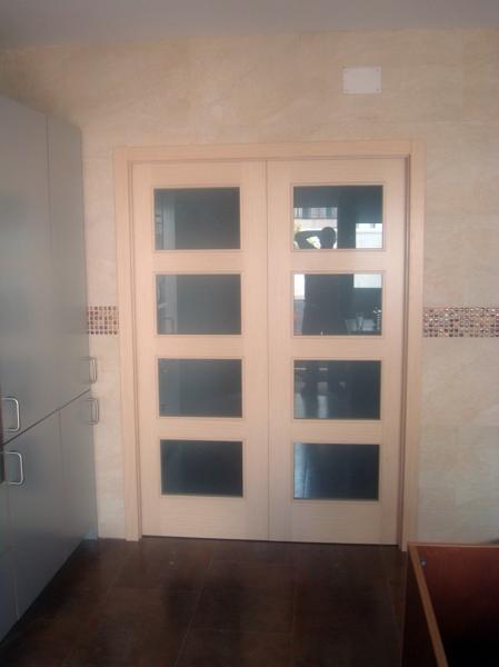 Foto puertas de interior en roble decap de armack for Puertas de roble interior