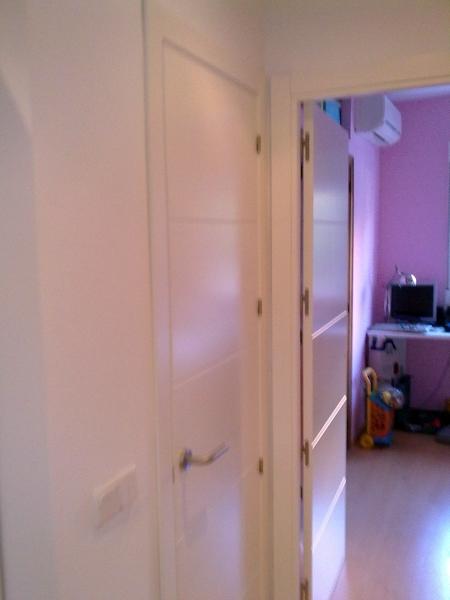 Foto puertas de paso ciegas con entrecalles lacadas en - Puertas lacadas en madrid ...