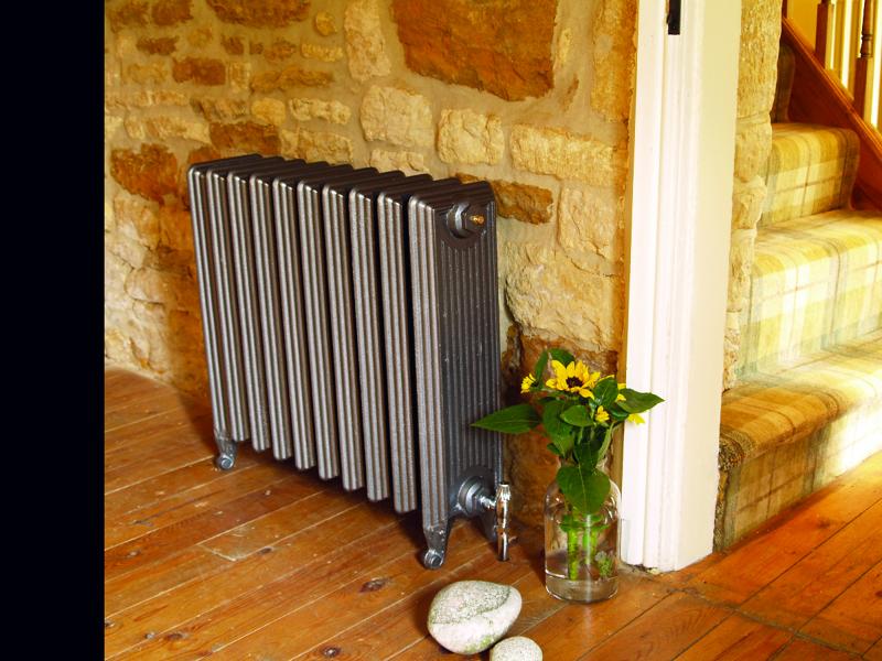 Foto radiador de hierro fundido modelo churchill de - Radiadores de hierro fundido ...