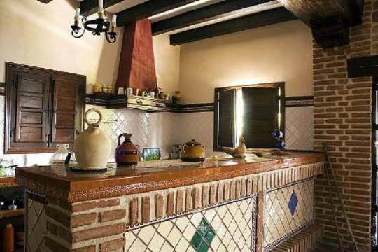 Foto reforma cocina rustica de carpinteria orihuela for Cocinas coloniales modernas