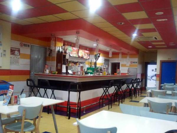 Foto ingenier a fornieles realiza proyecto de for Fachadas de locales de comida rapida