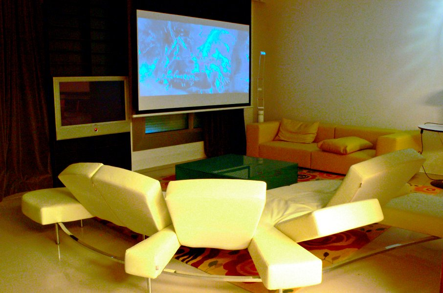 foto salon con home cinema incluido de smart business 407029 habitissimo. Black Bedroom Furniture Sets. Home Design Ideas