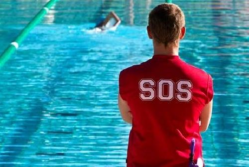 Foto servicios mantenimiento piscinas de terentia for Guia mantenimiento piscinas