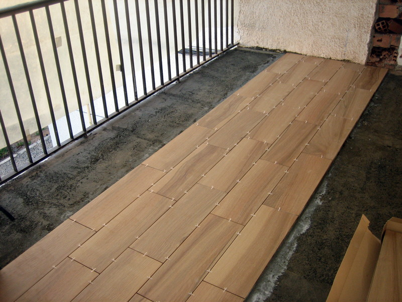 Foto solado con gres imitaci n madera de md reformas - Paneles imitacion madera ...