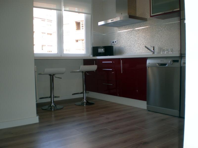 Foto suelo de cocina con tarima flotante de corema - Salones con tarima flotante ...