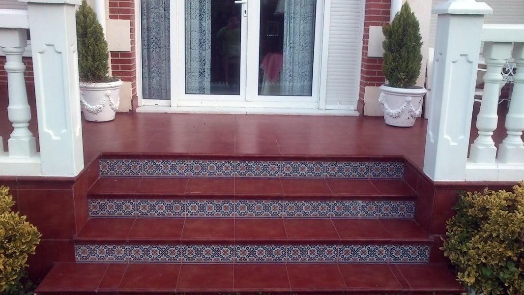 Foto suelo de gres y escaleras porche de construccciones - Escaleras de gres ...