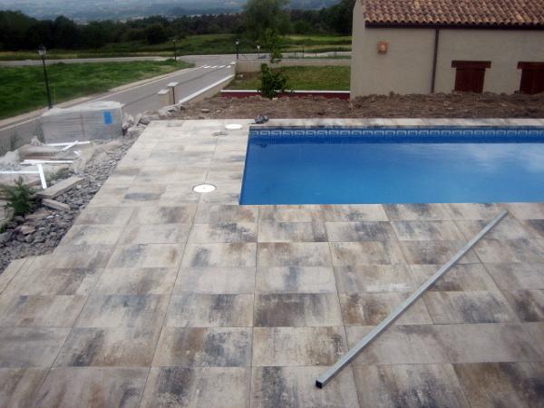Decoracion mueble sofa suelo piscina for Protector suelo piscina