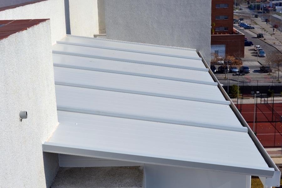 Chapas sandwich para tejados beautiful aleros de panel - Casas de panel sandwich de segunda mano ...