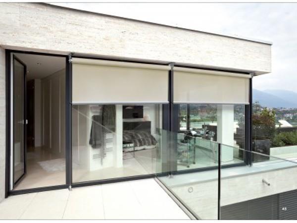 Foto toldo vertical de tendals tecnics 508530 habitissimo - Toldos verticales para exterior ...