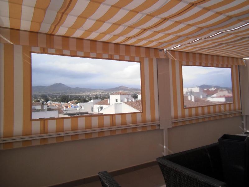 Foto toldos telones con ventana de toldos yecla 322896 - Toldos impermeables para terrazas ...