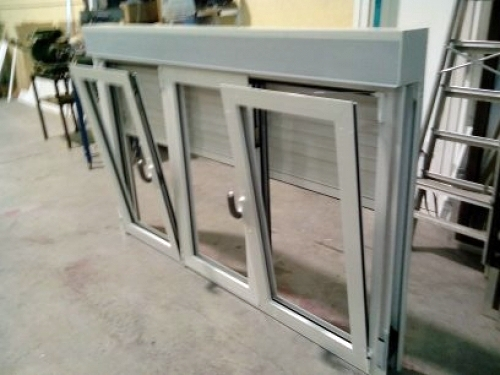 Foto ventana oscilobatiente de 3 hojas de aluminios y for Ventana oscilobatiente precio