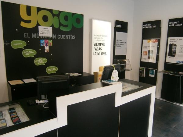 Foto yoigo de mundogeo fuerteventura 528952 habitissimo for Oficinas yoigo
