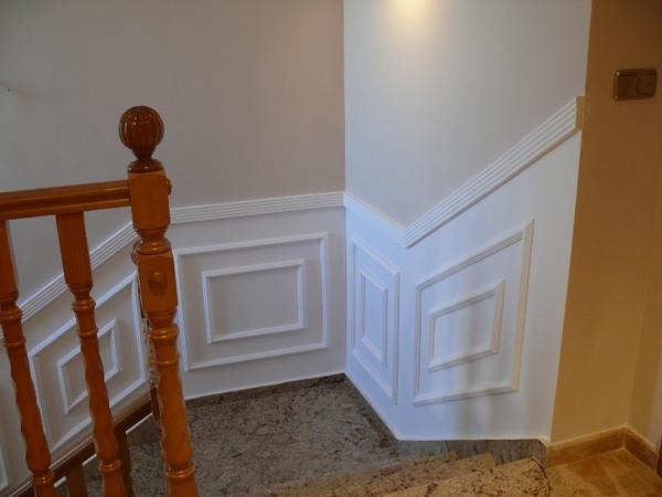 Foto zocalo de escalera de multimarquez 709337 habitissimo - Zocalos para escaleras ...