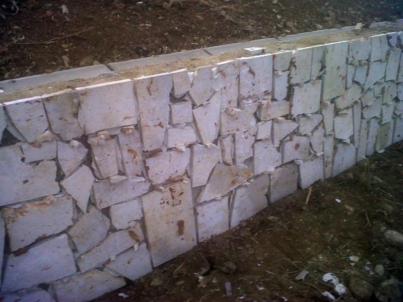 Foto z calo piedra natural irregular de construcciones y - Zocalos de piedra ...