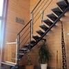 Pintar casa,retirar y tratar humedades en escalera y pulir y barnizar habitaciones