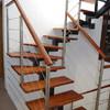Poner barandilla de madera en escalera interior