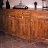 Montaje de lamparas , esquineras de madera y un mueble del recibidor