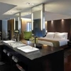 Casa de tres dormitorios cocina salun y cuarto de baño.