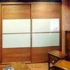 Puerta armario empotrado de madera con lamas mallorquina blanca
