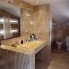 Alicatar baños con marmol