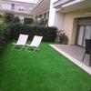 poner un trozo de terraza de cesped