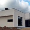 Construer un chalet diseño moderno de 4 dormitories en dos plantas y piscine de 6 x 12m  vivienda   220 metros construidos  sobre una parcela medio plano de 1200m2.